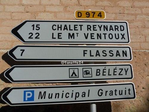Panneau en ville à Bédoin