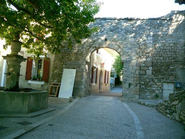 Une ruelle Le Beaucet