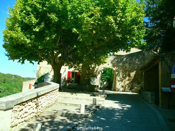 Le Beaucet, centre village