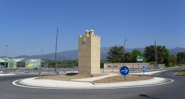 Rond point de la Tour Ripert à Valréas