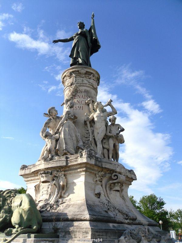 Statue du Centenaire à Avignon