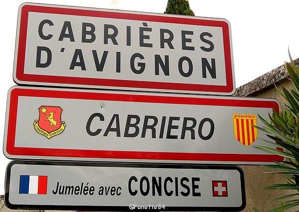 Panneau en provençal de la ville de Cabrières d'Avignon