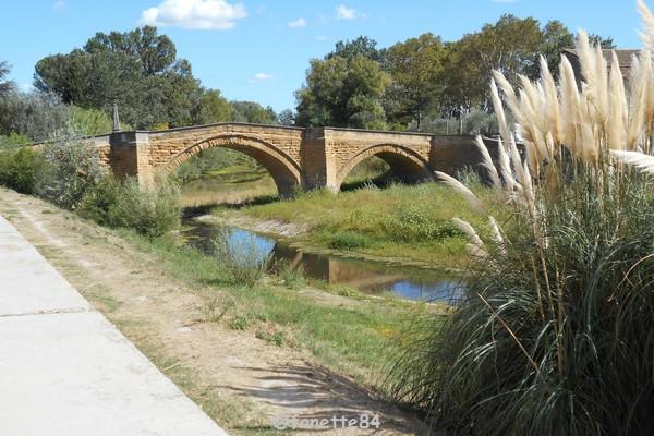 Pont sur l'Ouvéze à Bédarrides