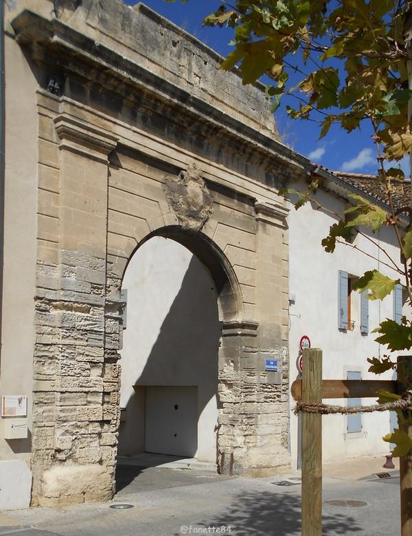 Porte des Poustarloun à Bédarrides