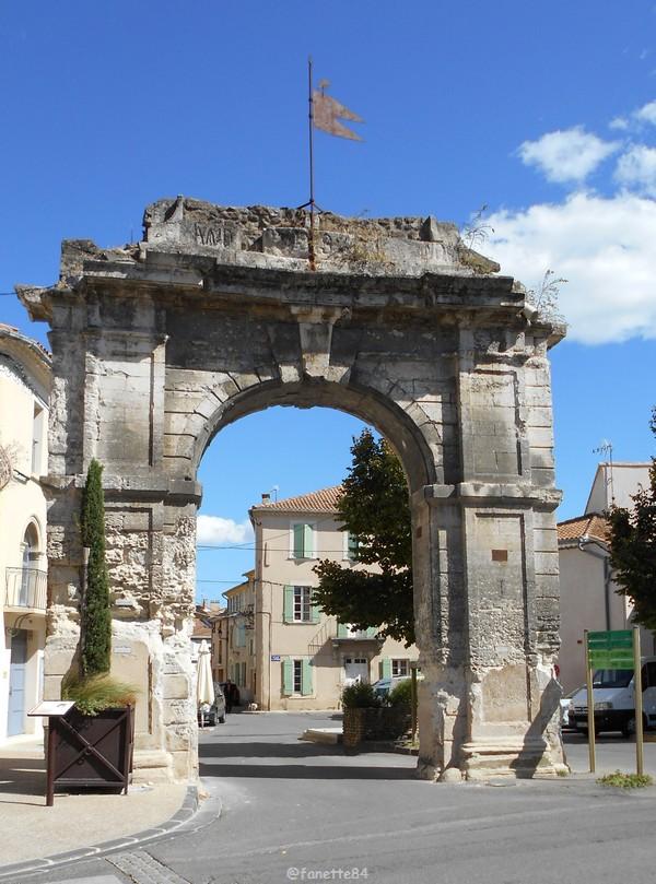 Porte du 4 septembre à Bédarrides