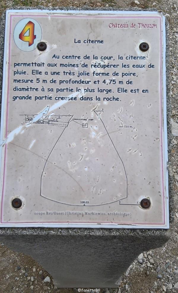 Panneau explicatif de la citerne du château de Thouzon au Thor