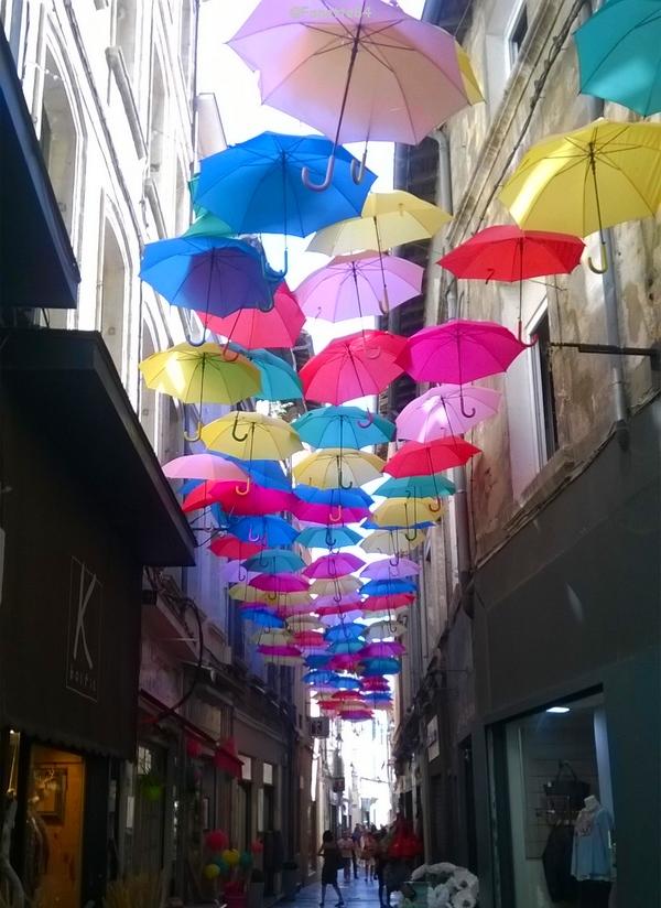 Avignon, rue des Fourbisseurs