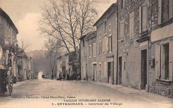 Entrechaux village
