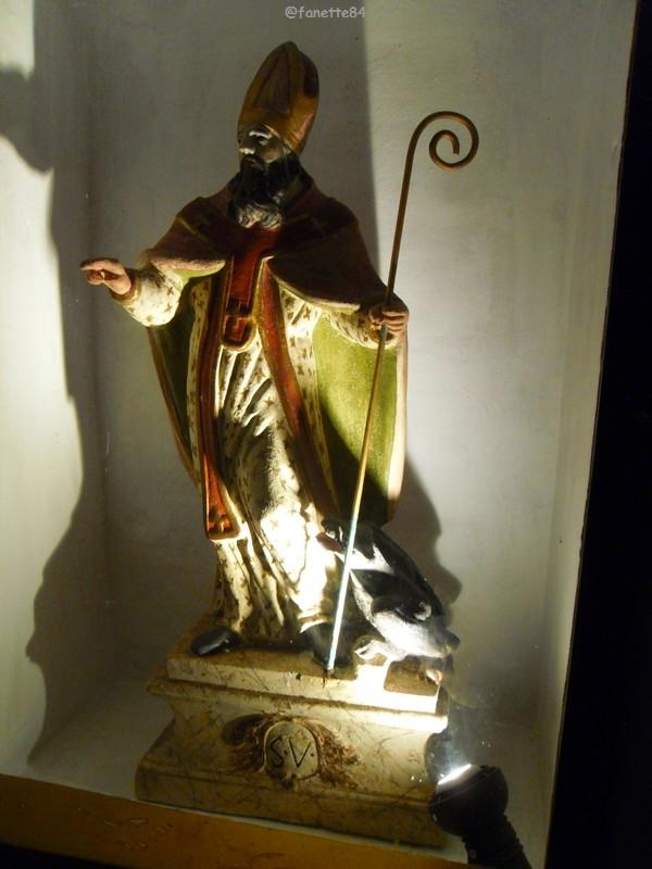 Statue de bois de Saint Véran à Fontaine de Vaucluse