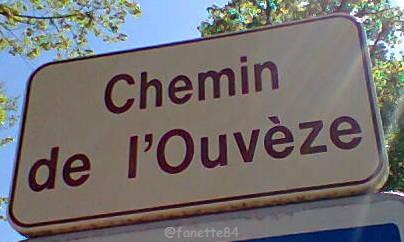 Panneau chemin de l'Ouvèze au domaine de Causans à Jonquières