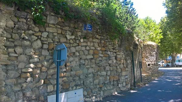 Mur de Gramont à Caderousse
