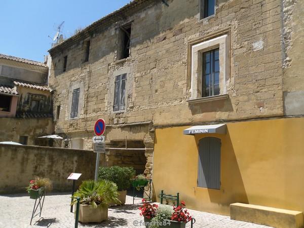 Maison d'Ancézune à Caderousse