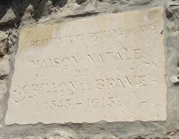 Plaque de la maison natale de Crillon le Brave