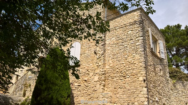 Maison de Crillon le Brave