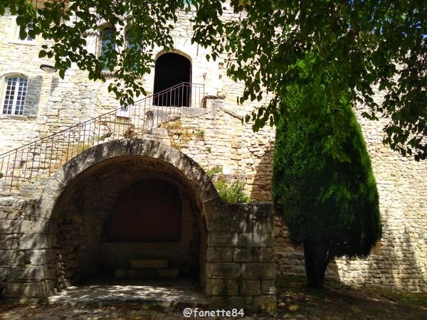 Maison de Crillon le Brave à Murs