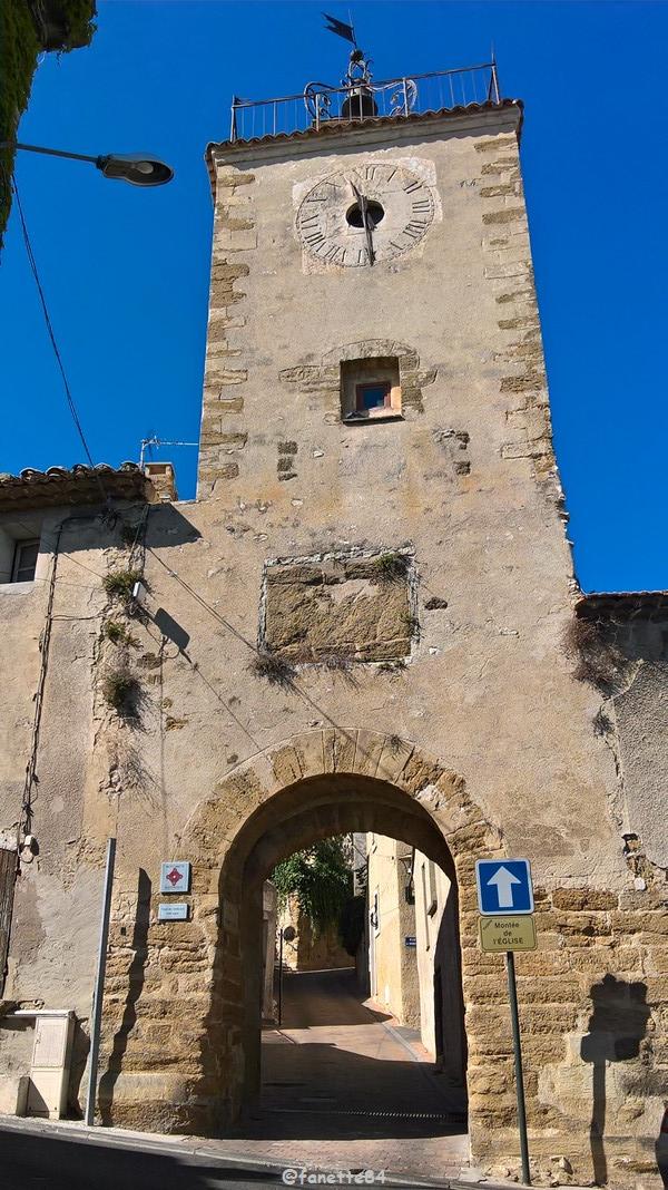 Tour de l'horloge à Vedéne