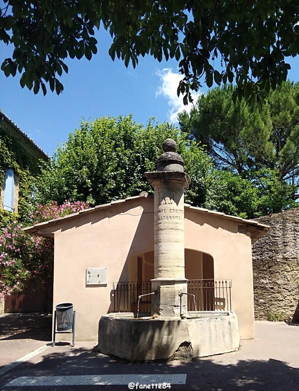 Fontaines à Villes sur Auzon