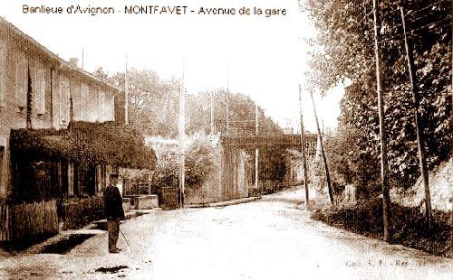 Avenue de la gare à Montfavet