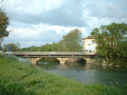 Pont sur l'Ouvéze à Sorgues