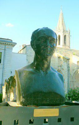 Statue Esprit Requiem au Square Avignon