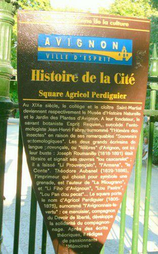 Histoire de la cité. Plaque posé à l'entrée du square
