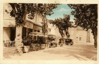 Cours des platanes en 1942 à Lapalud