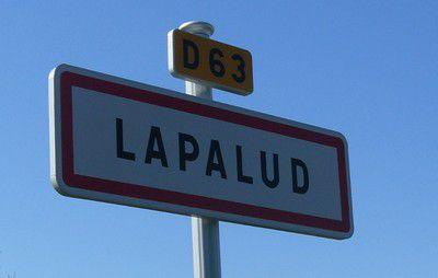 Panneau du village Lapalud
