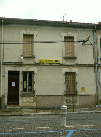 Poste du village de Violés
