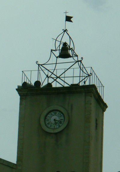 Campanile et horloge de Saint Romain en Viennois