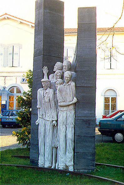 LE MONUMENT DU TRAIN FANTOME