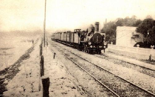 Train express sur la côte d'azur