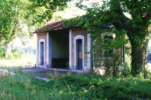 abri des voyageurs gare d'Aubignan