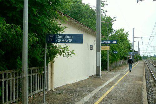 Abri des voyageurs en gare de Bédarrides