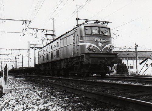 2D2 9100 Avignon