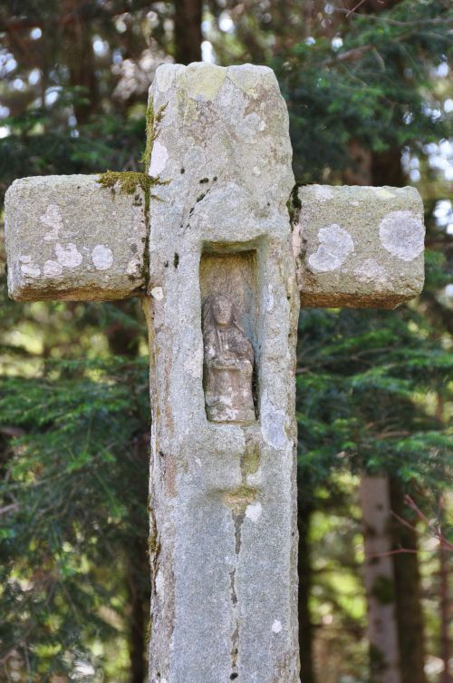 Une des nombreuses croix de cette région...