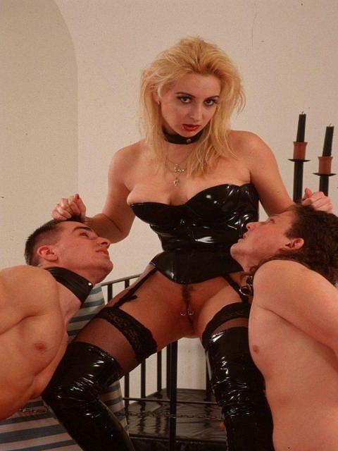 sexe domination Blonde sexe