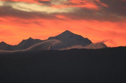 Vague de nuages sur le Mont-blanc