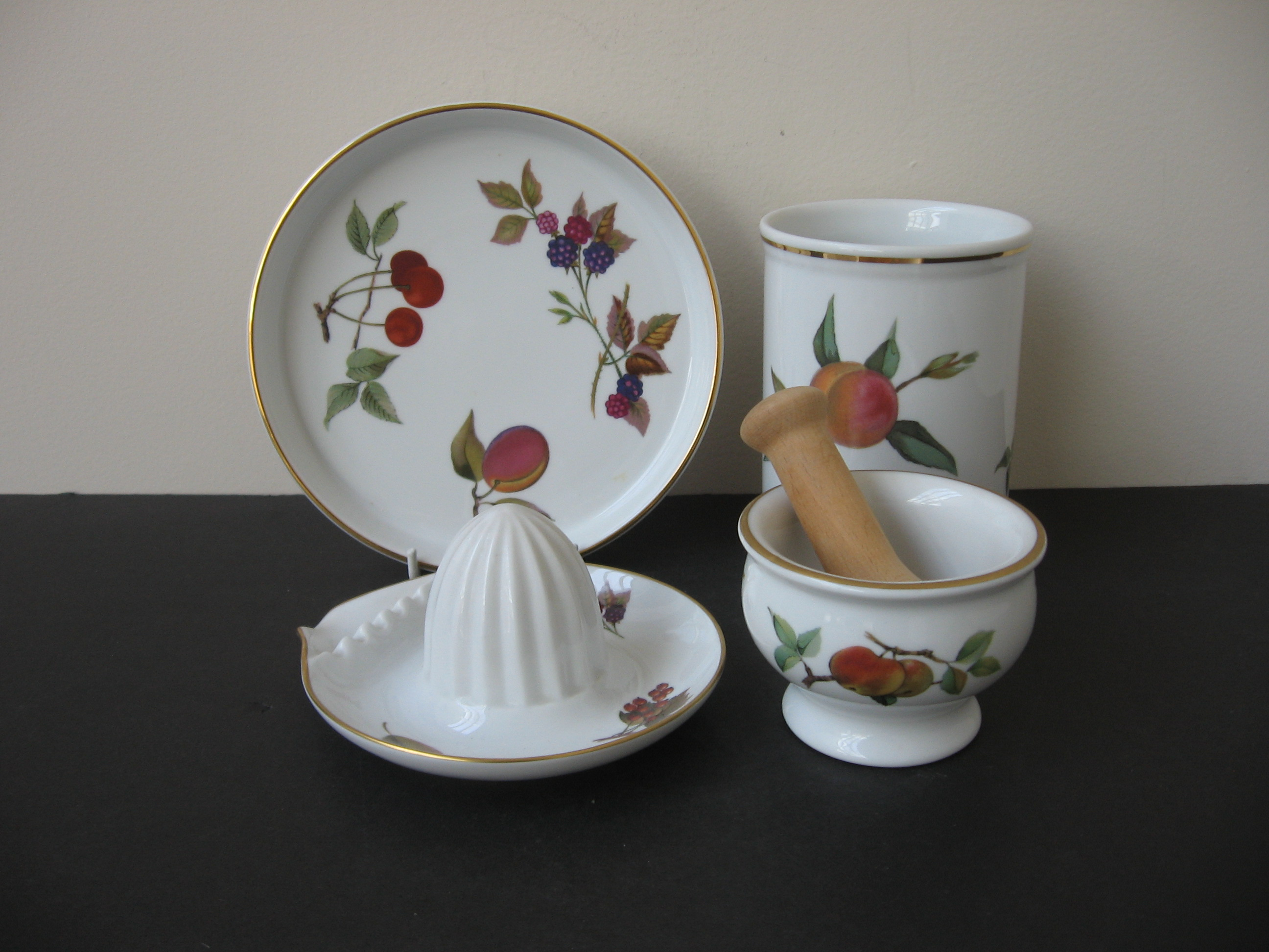 $50.00/Set. $50.00/Set : ROYAL WORCESTER FINE PORCELAIN ...