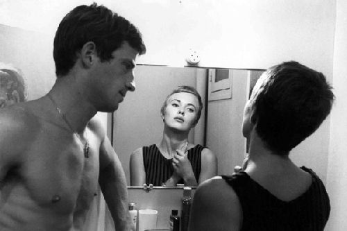Jean Seberg et Jean-Paul Belmondo dans A bout de souffle (1960) de Jean-Luc Godard