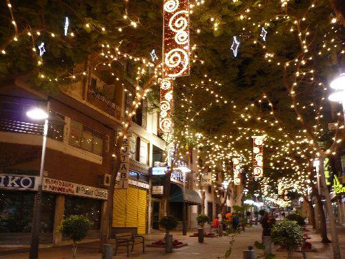 Rue de Tenerife décorée pour les fetes de fin d\'année