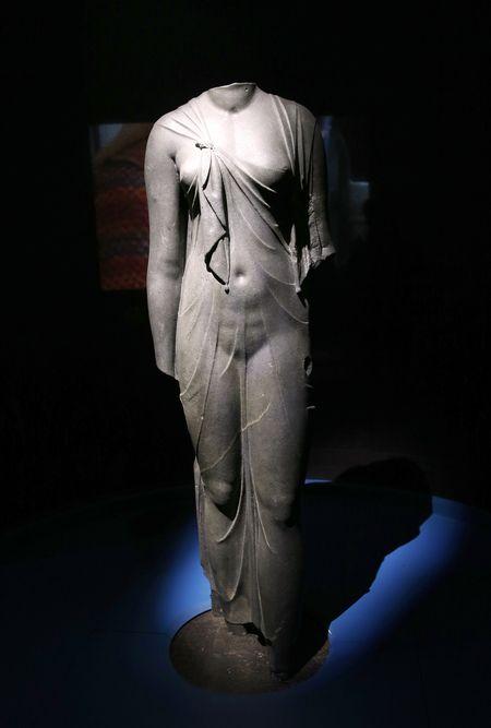 OsirisStatue de reine4759832_6_8385_sublime-statue-d-arsinoe-ii-epouse-de_829d840175255c50c784a13d1f2941ac.jpg