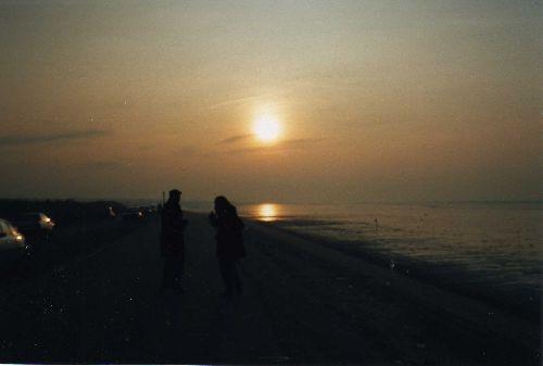 Liverpool: coucher de soleil sur la mer