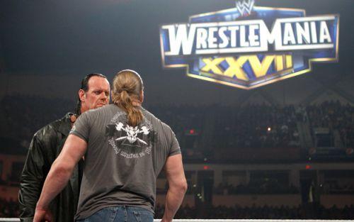 Undertaker acceptant le défi de Triple H pour WM XXVII