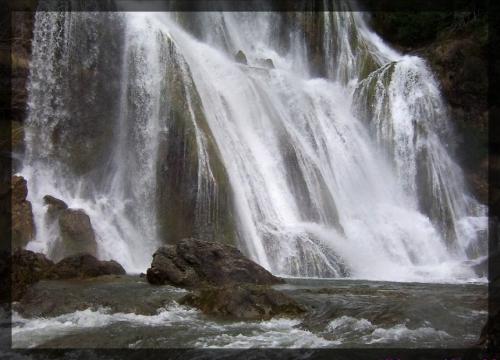 cascades de Gimel 1.jpg