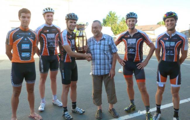 1- accro vélo vainqdu chalengreueur.jpg