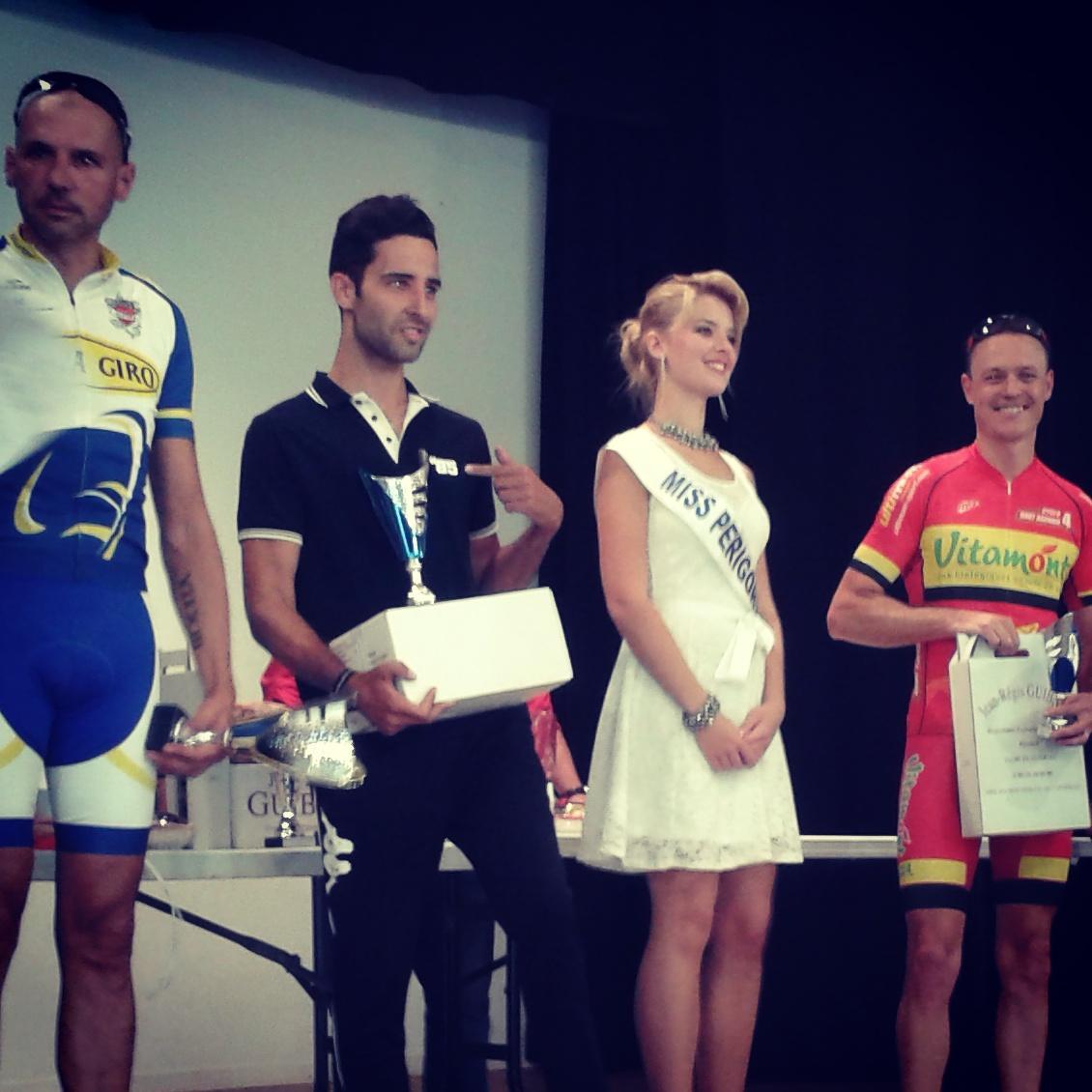 2ème catégorie podium.jpg