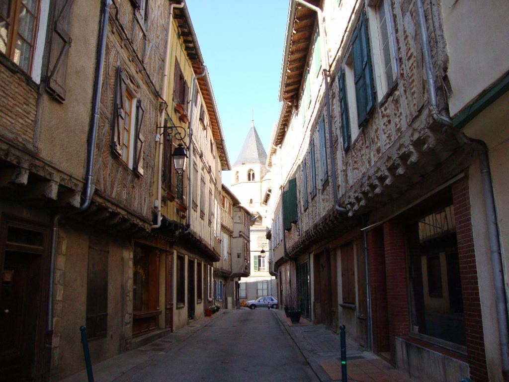 Sorèze_(Tarn_Fr)_ruelle_aux_colombages (1024x768).jpg