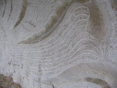 Bas-relief sur le chemin de hallage de Bouziès