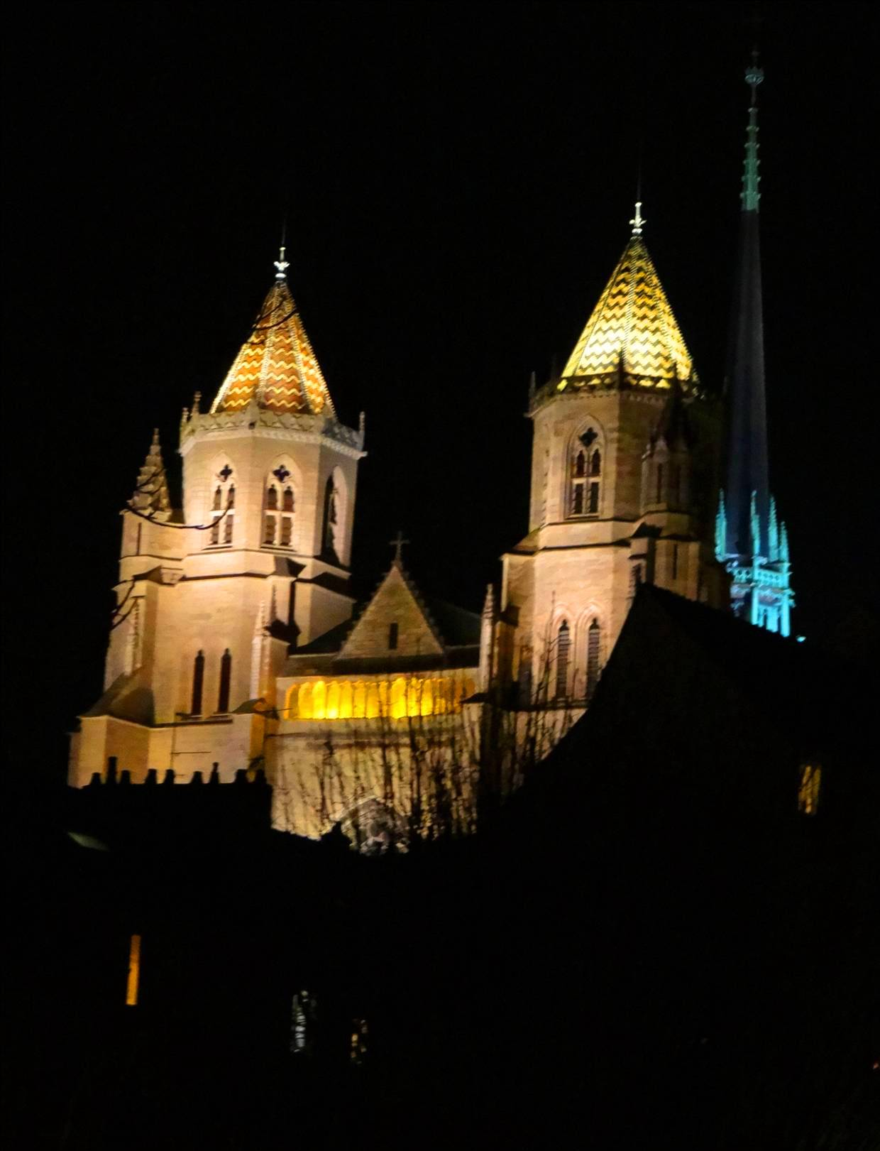Dijon by night 01.jpg