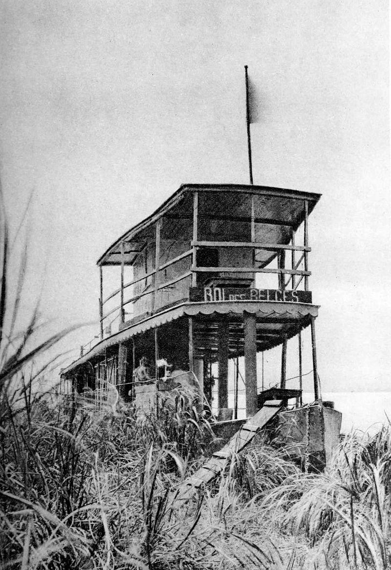 Le Roi des Belges bateau sur lequel a navigué Joseph Conrad pour l'État indépendant du Congo..jpg